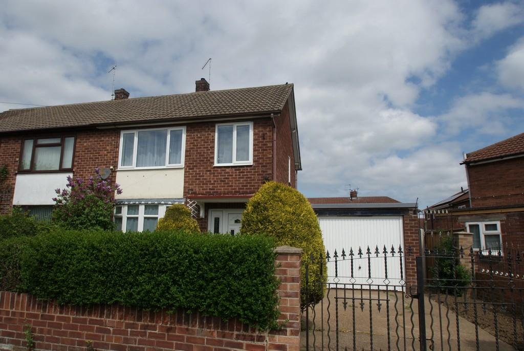 3 Bedrooms Semi Detached House for rent in Rose Crescent, Scawthorpe