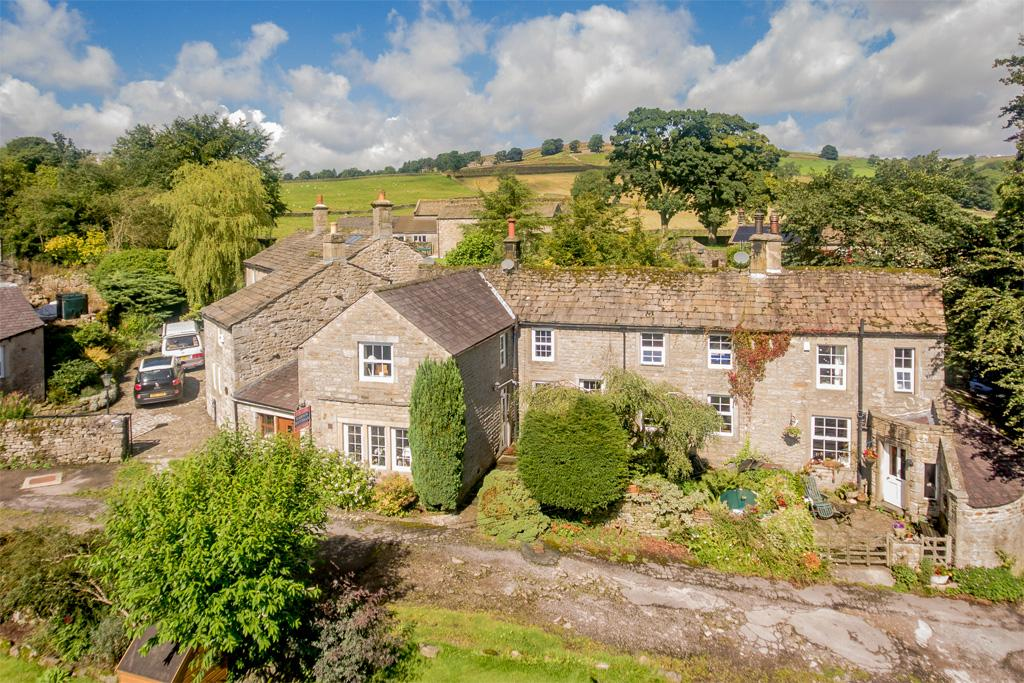 2 Bedrooms Cottage House for sale in 1 Town Hill, Hebden, Grassington