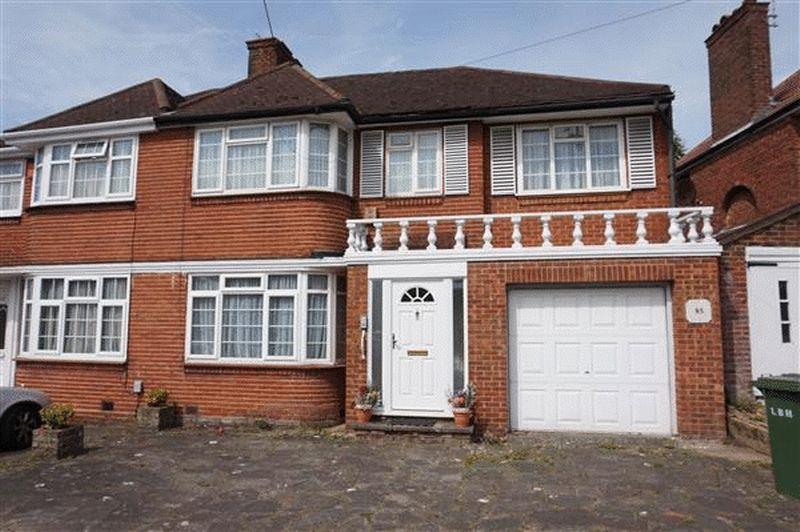 4 Bedrooms Semi Detached House for sale in Weston Drive, Stanmore, Middlesex, HA7 2EW
