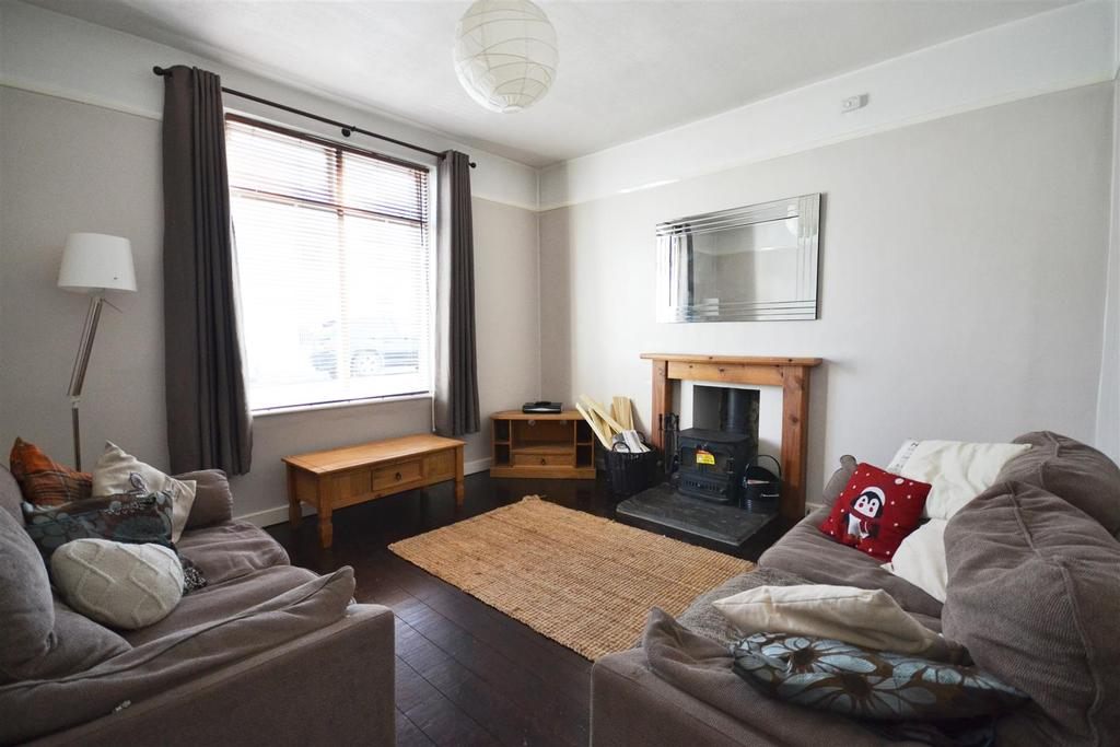 3 Bedrooms Terraced House for sale in Gwyther Street, Pembroke Dock