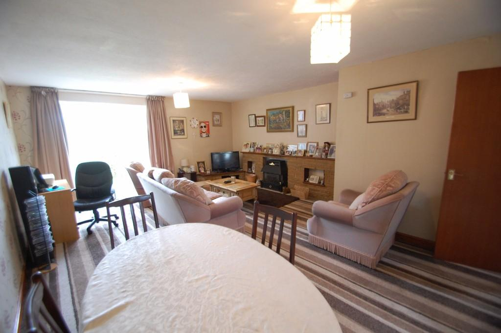 3 Bedrooms Town House for sale in Shadsworth Close, Shadsworth, Blackburn