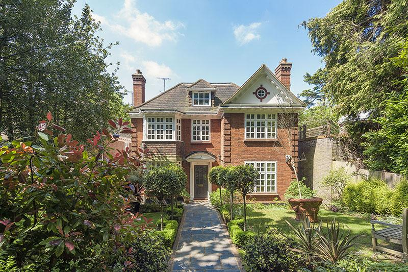 6 Bedrooms Detached House for sale in ROBIN GROVE, HIGHGATE N6