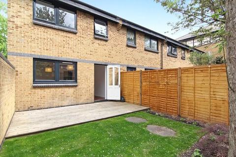 3 bedroom house to rent - Undine Road, London, E14