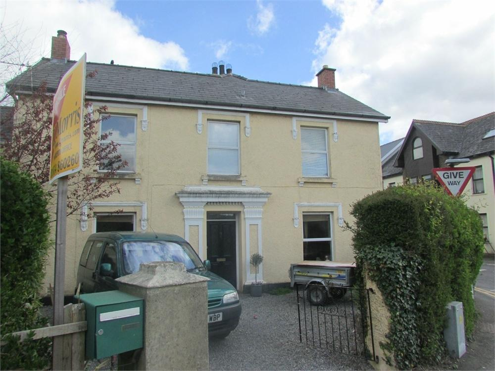 4 Bedrooms Semi Detached House for sale in Ashgrove House, Whitland, Carmarthenshire