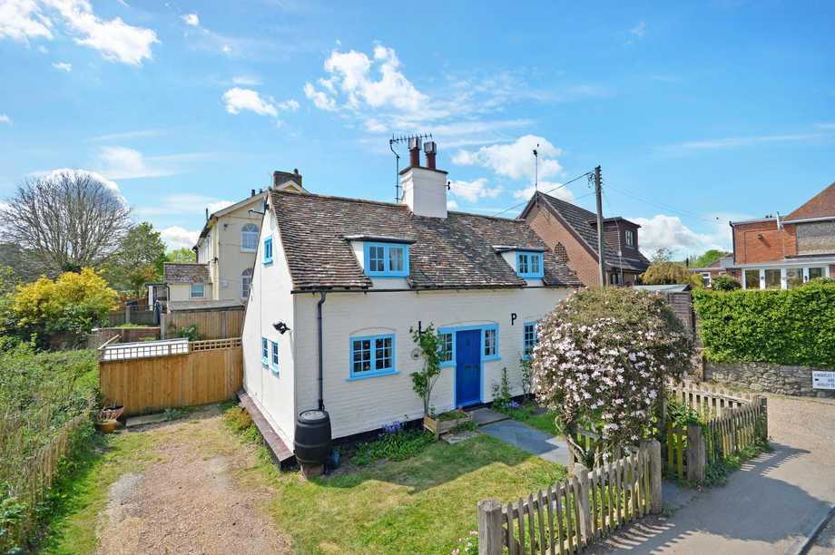 3 Bedrooms Detached House for sale in Lyminge, CT18