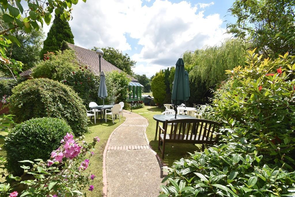 2 Bedrooms Retirement Property for sale in Godalming