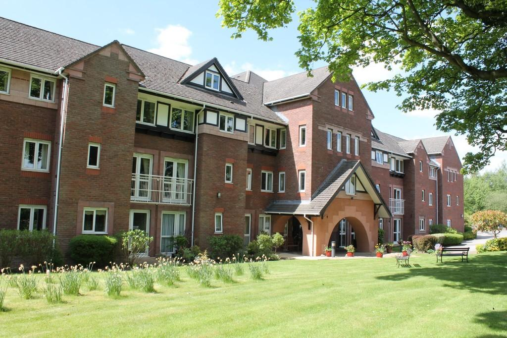 2 Bedrooms Apartment Flat for sale in Queen Anne Court, Macclesfield Road