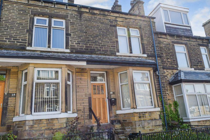 3 Bedrooms Terraced House for sale in Duckworth Terrace, Bradford