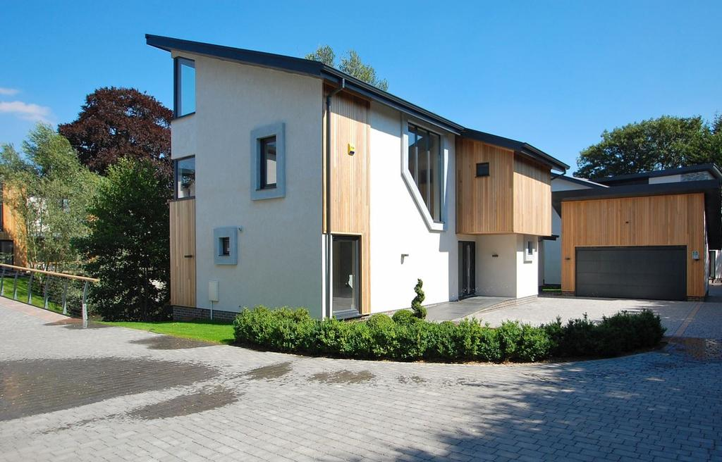 5 Bedrooms Detached House for sale in Chelmsford, Essex, CM1