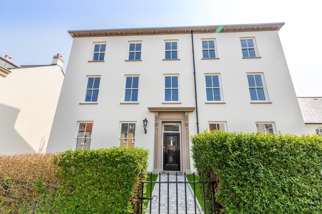 1 Bedroom Maisonette Flat for sale in Mount Durand, St. Peter Port, Guernsey