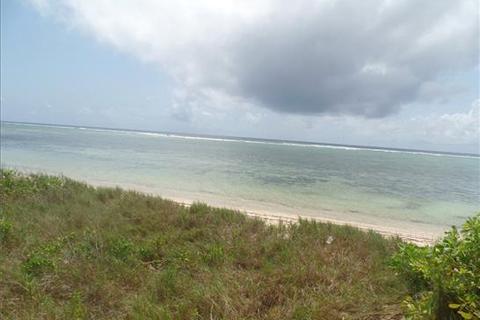 Land  - Vipingo Beach