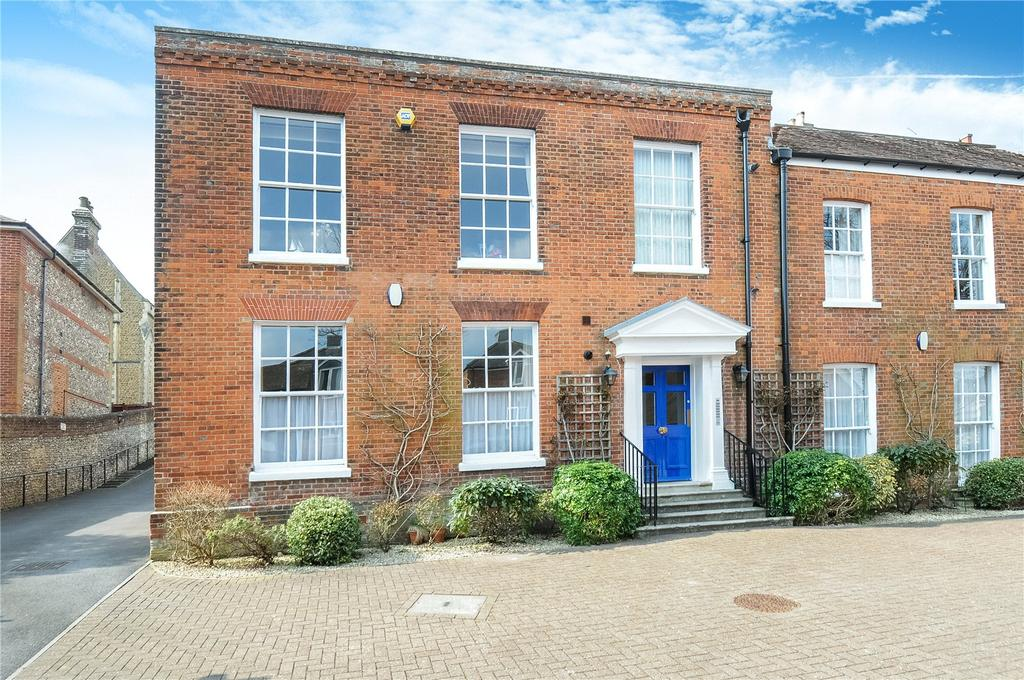 2 Bedrooms Flat for sale in Albion Place, Winchester, Hampshire, SO23