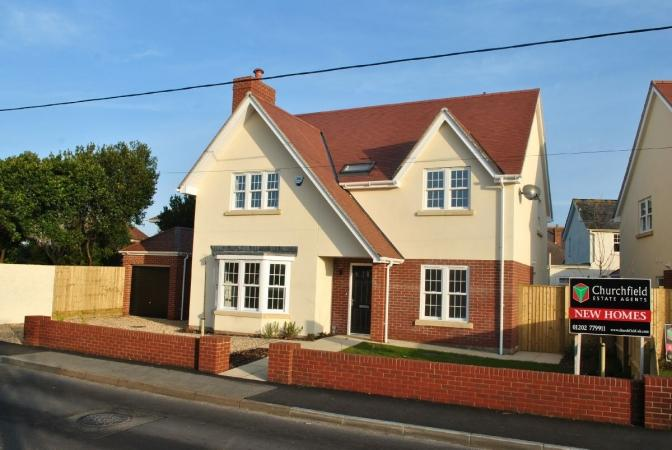 4 Bedrooms Detached House for sale in Keyhaven Road, Milford on Sea