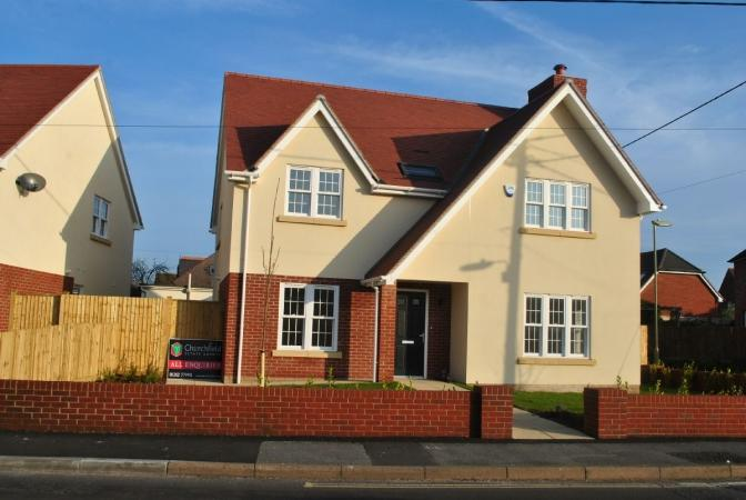 4 Bedrooms Detached House for sale in Keyhaven Road , Milford on Sea