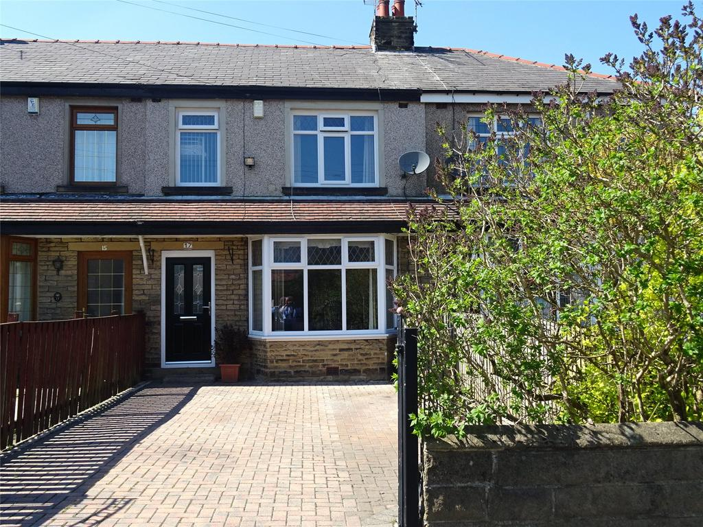 3 Bedrooms House for sale in Kenmore Drive, Bradford, West Yorkshire, BD6