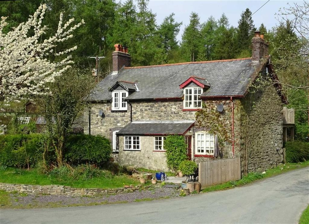 2 Bedrooms Cottage House for sale in Bliss Cottage, 4, Hendre, Llangadfan, Powys, SY21