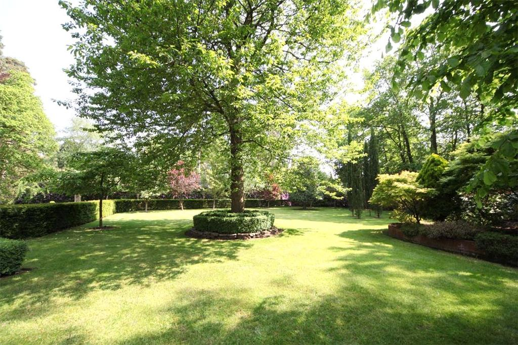 1 Bedroom Plot Commercial for sale in Waverley Drive, Wentworth, Virginia Water, Surrey, GU25