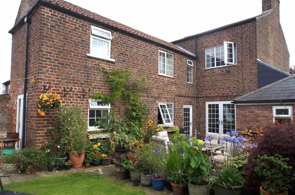 4 Bedrooms Detached House for sale in Station Road, Nafferton, East Yorkshire