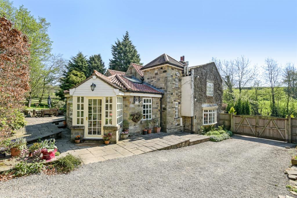 5 Bedrooms Equestrian Facility Character Property for sale in Gate Bridge Road, Galphay, Ripon