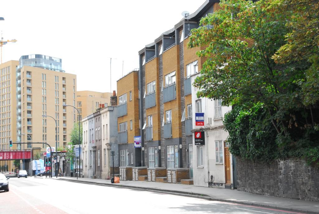 2 Bedrooms Flat for sale in Loampit Hill, Lewisham, London, SE13