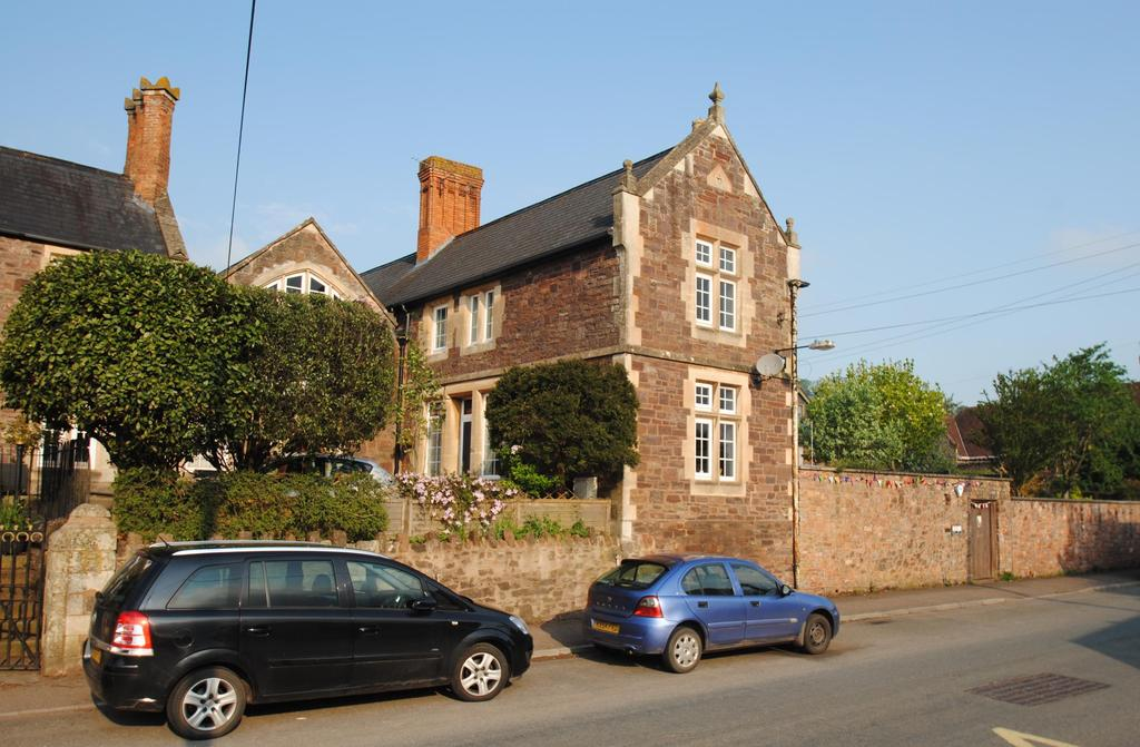 3 Bedrooms Semi Detached House for sale in North Street, Wiveliscombe