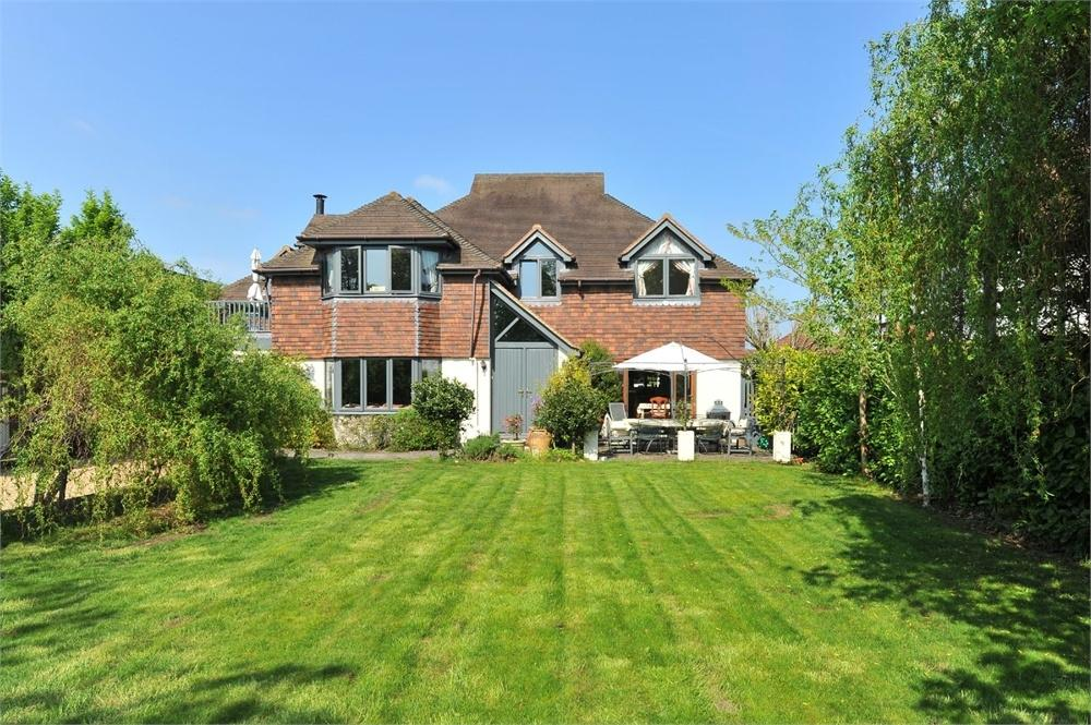 6 Bedrooms Detached House for sale in Abbotswood, Guildford, Surrey
