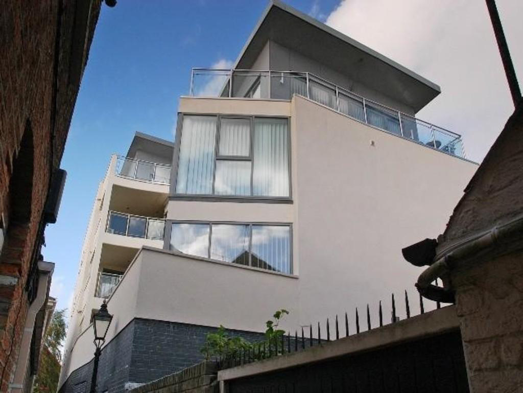 2 Bedrooms Apartment Flat for sale in Strand Street, Poole