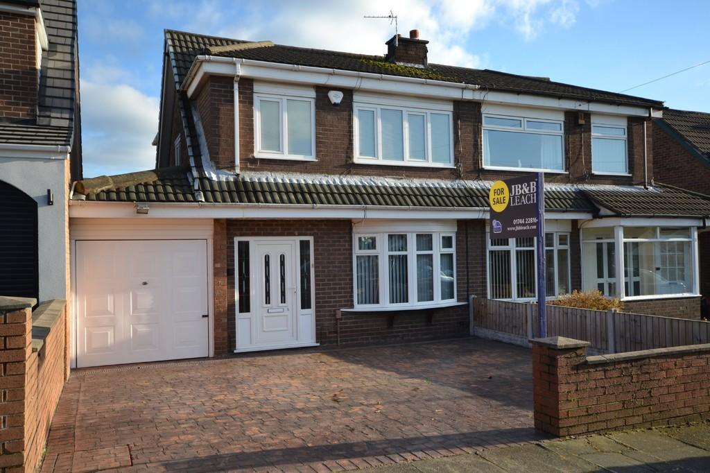 3 Bedrooms Semi Detached House for sale in Wyken Grove, Islands Brow