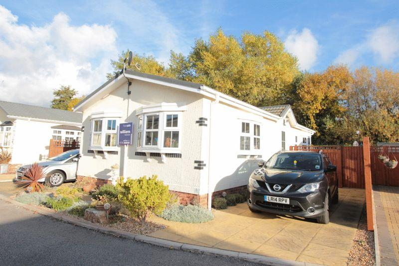 2 Bedrooms Bungalow for sale in St James Drive, Prestatyn