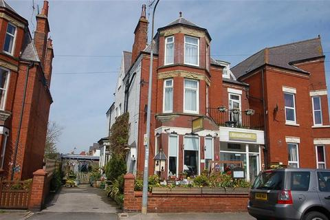 Guest house for sale - Shaftesbury Road, Bridlington, East Yorkshire