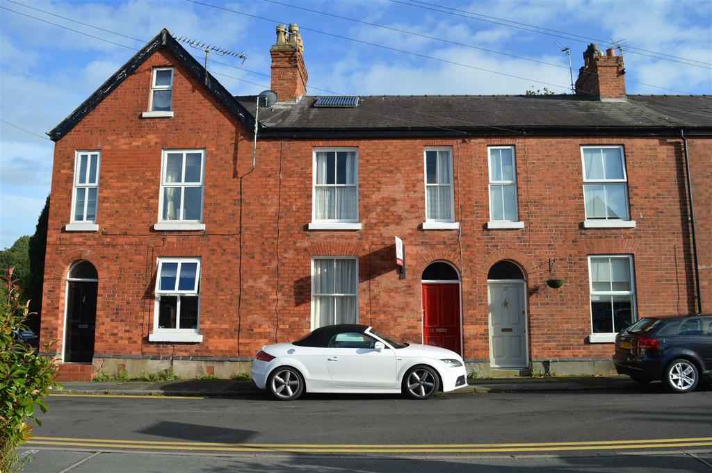 3 Bedrooms Town House for sale in Queen Street, Knutsford