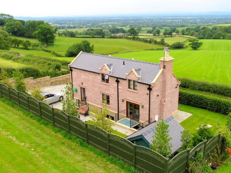 4 Bedrooms Detached House for sale in Tirley Lane, Utkinton