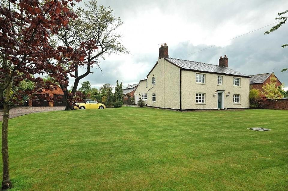 4 Bedrooms Detached House for sale in Crewe Road, Crewe Green