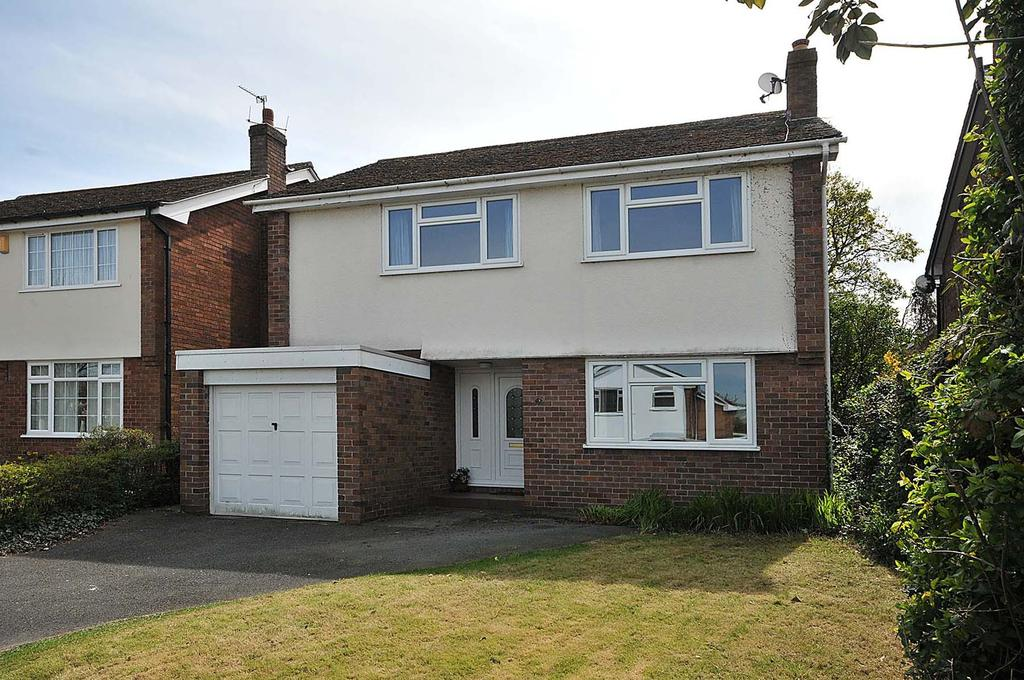 4 Bedrooms Detached House for sale in Old Smithy Lane, Lymm