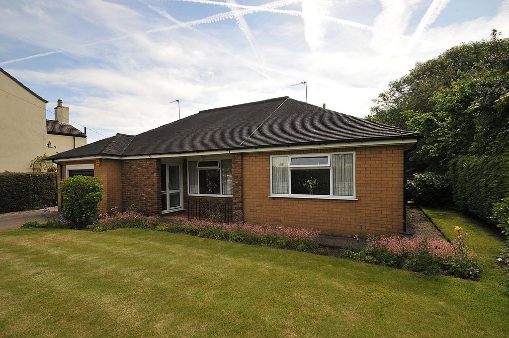 4 Bedrooms Detached Bungalow for sale in Holt Lane, Halton