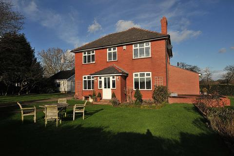 4 bedroom detached house to rent - Sunnyside, Little Leigh