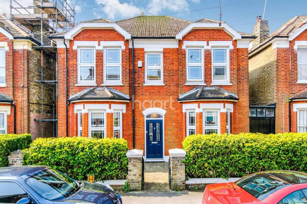 4 Bedrooms Detached House for sale in Percy Road, Broadstairs, CT10