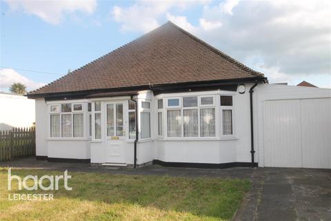 2 bedroom bungalow - Sports Road, Glenfield