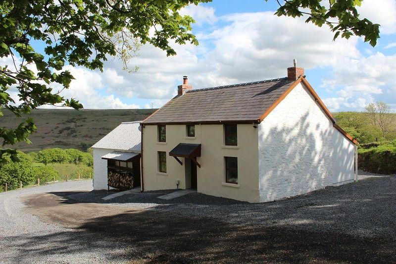 3 Bedrooms Farm House Character Property for sale in Ller Fedwen, Felindre, Swansea.