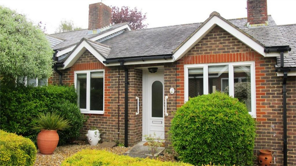 2 Bedrooms Terraced Bungalow