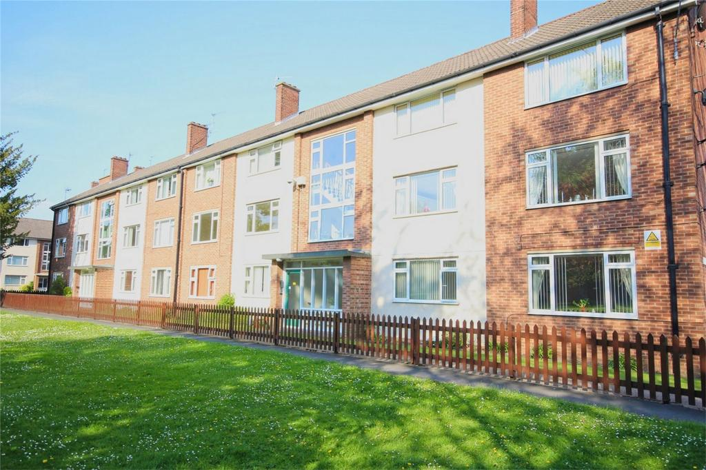 2 Bedrooms Flat for sale in Dale Royal Court, Cottingham, East Riding of Yorkshire