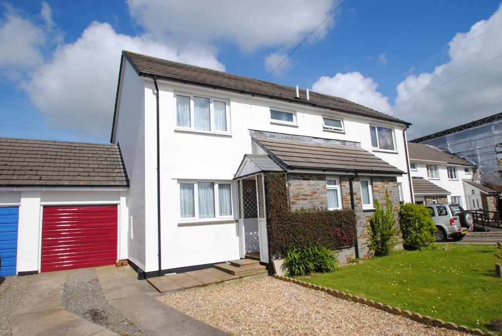 3 Bedrooms Semi Detached House for sale in Orleigh Close, Buckland Brewer