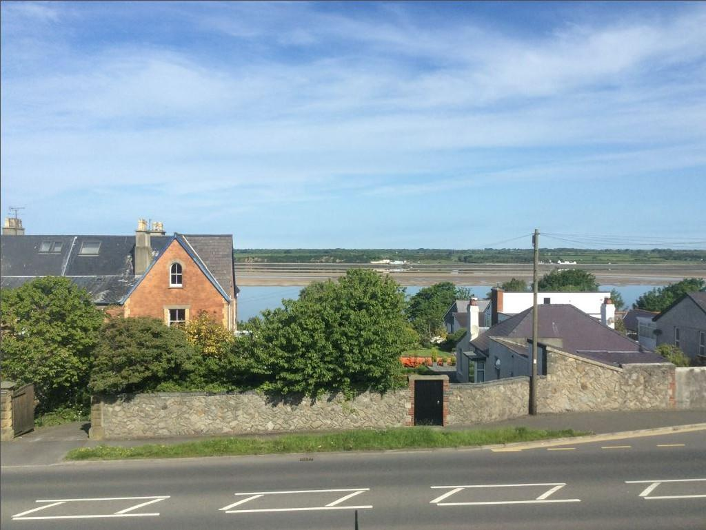3 Bedrooms Semi Detached House for sale in North Road, Caernarfon, North Wales