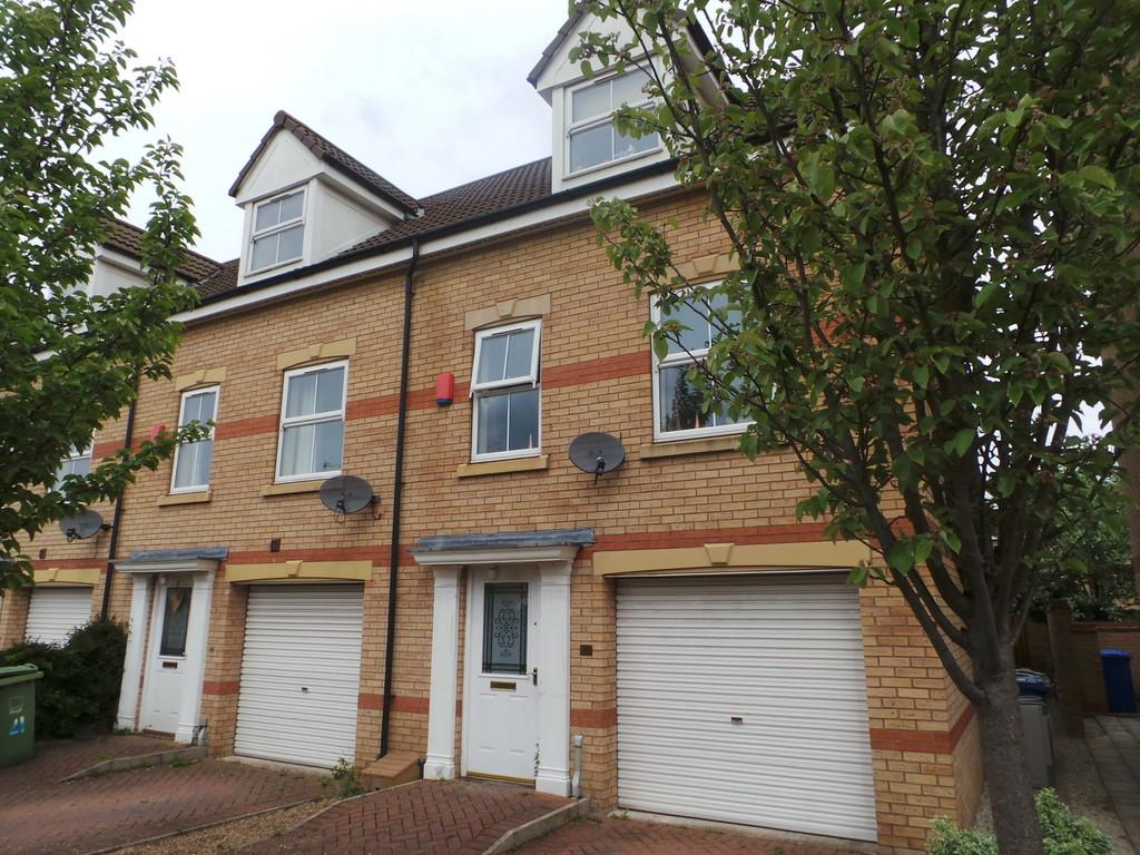 3 Bedrooms Town House for sale in Heron Drive, Gainsborough