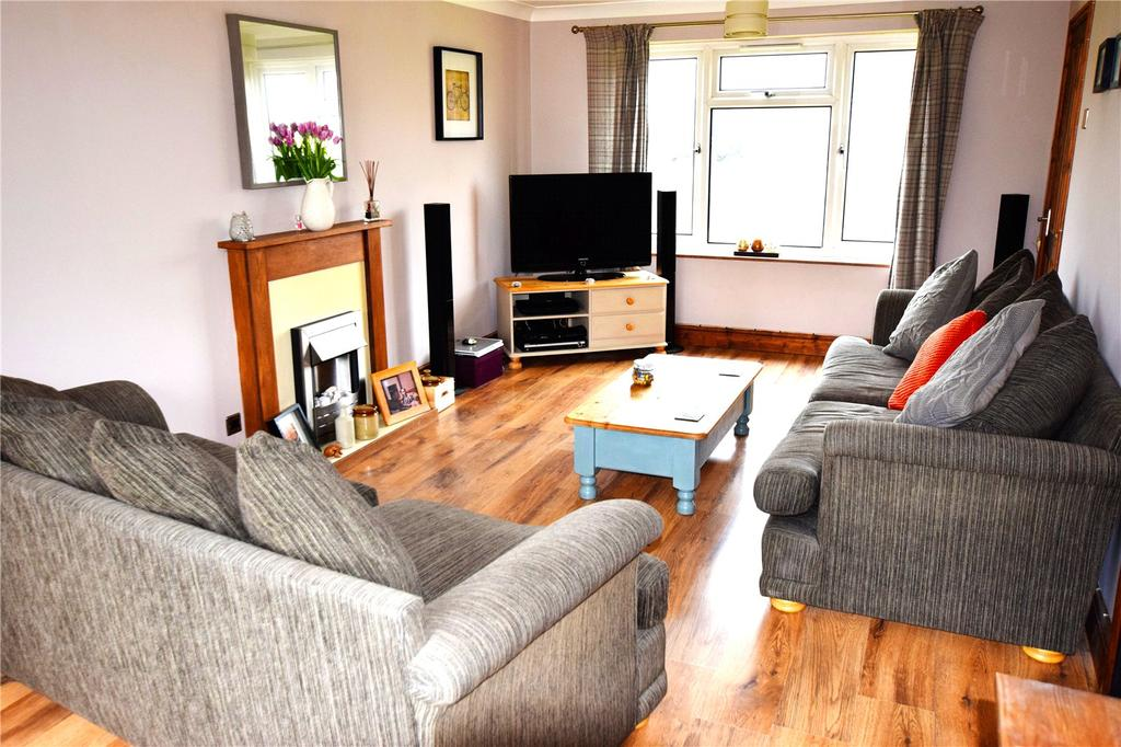 2 Bedrooms Terraced House for sale in Town Street, Beeston, Leeds, West Yorkshire, LS11