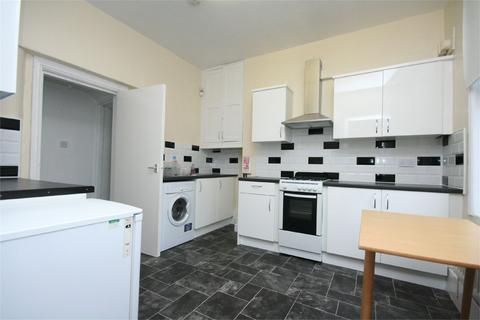 1 bedroom flat share to rent - Oliver Street, Nottingham, Nottinghamshire, NG7