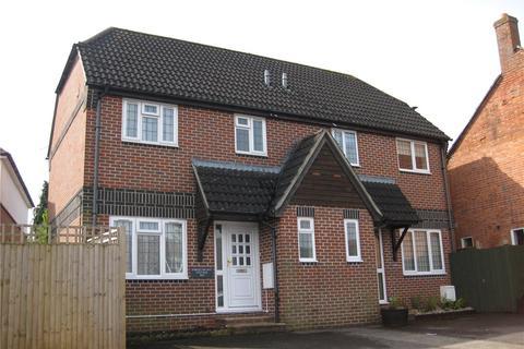 3 bedroom semi-detached house to rent - Newbury, Berkshire, RG14