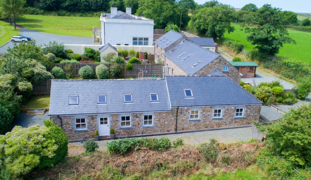 3 Bedrooms Barn Conversion Character Property for sale in Portfield Gate, Haverfordwest