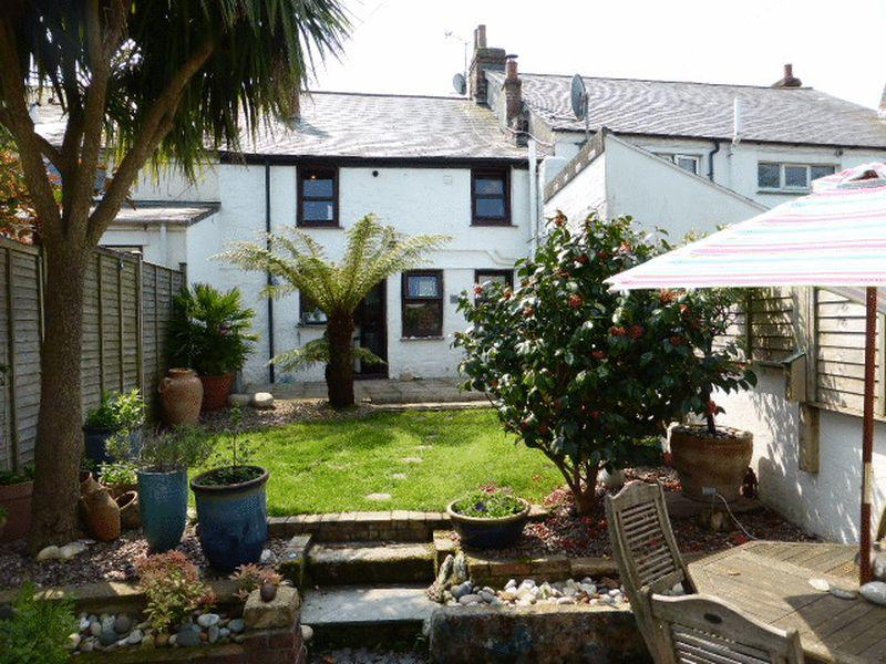 3 Bedrooms Cottage House for sale in Albert Place, Truro