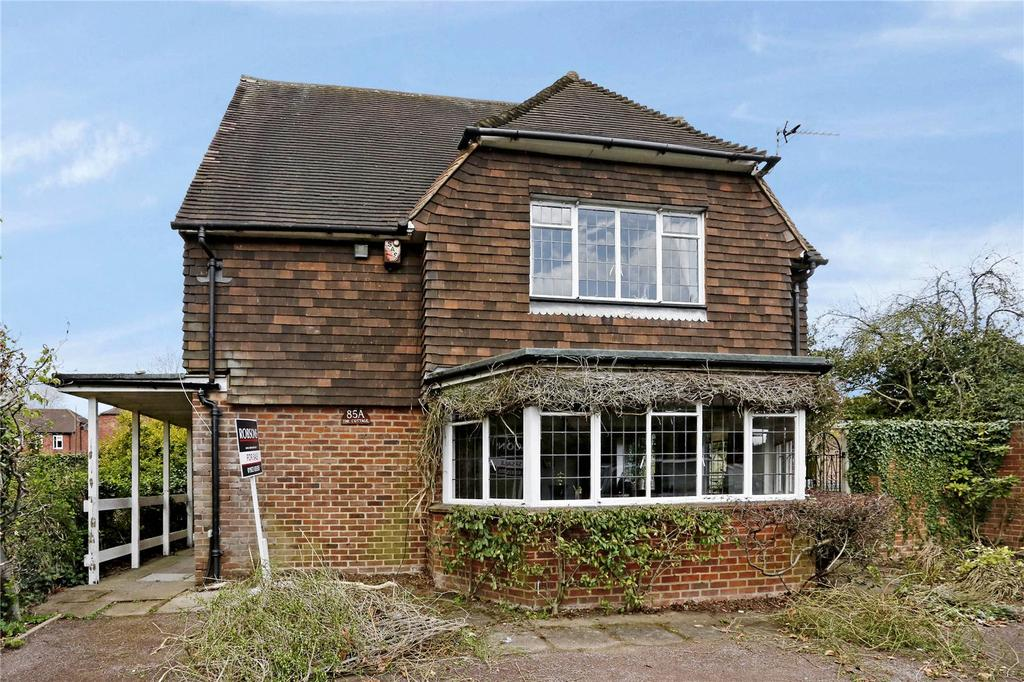 2 Bedrooms Detached House for sale in Green Lane, Northwood, Middlesex, HA6